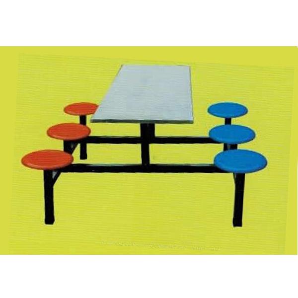 桌面采用304优质不锈钢板材,款式新颖美观,焊接牢固可靠,吹塑圆凳面